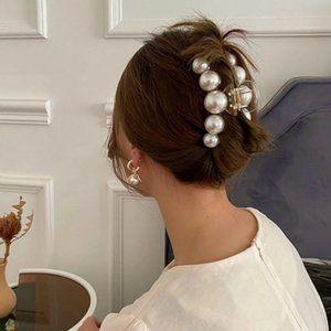 Elegant Women's Acrylic Pearl Claw Clip for Hair